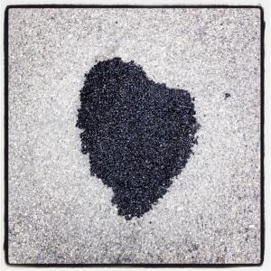 Puoi metterci una pietra sopra, asfaltarmi e calpestarmi, annerirmi, la mia natura non cambierà. Se nasci cuore, continui a battere - la morte poi, è tutta un'altre storia