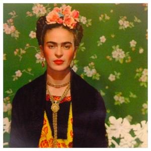 Frida Kahlo in una foto di N. Muray a New York nel 1939