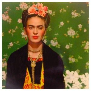 Frida Kahlo in una foto di N. Muray a New York nel 1939